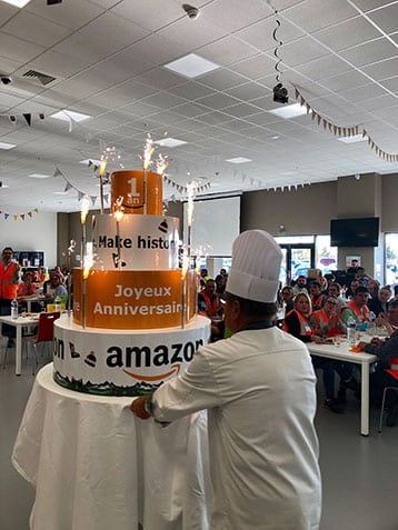 1-an-amazon-boves-gateau-cuisinier