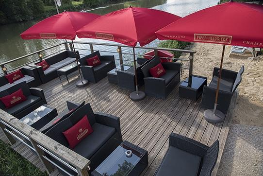 la-plage-du-moulin-rose-terrasses