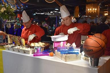 nani-novick-stadium-cuisinier-buffet