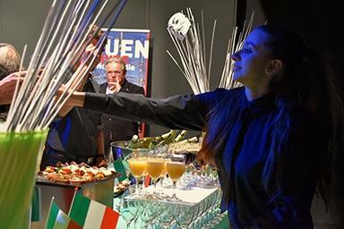 rouen-normandy-invest-serveuse-italie